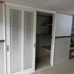 車庫内の収納スペース(駐車場)