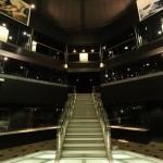 ステージから上階への階段