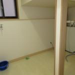 階段下スペースを利用したユーティリティ(洗面所)