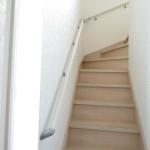リビング階段には手すり付き